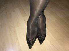 IMG_4269 (pantyhosestrumpfhose) Tags: pantyhose strumpfhose collant nylonlegs tights pumps shoe shoes schuhe beine bestrumpftebeine legs pantyhoselegs pantyhosefeet