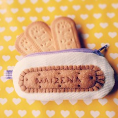 porta moeda maizena (Tais Mallouk) Tags: handmade craft kawaii fofo bolacha biscoito maizena coinpurse costuras coinbag portamoeda
