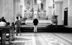 Altares (Felipe Crdenas-Tmara) Tags: sacred altars altares kodaktmax leicaiiia jupiter1235mmf28 epsonperfectionv500photo felipecrdenastmara marchaporderechosdelosanimales litrgias