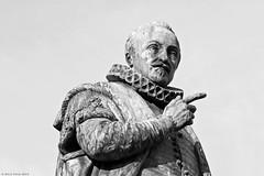 Willem I (Rick & Bart) Tags: city bw sculpture statue bronze denhaag plein thehague brons willemi rickbart louisroyer rickvink