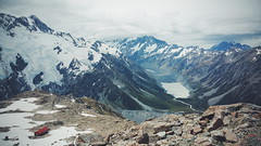 Mueller Hut and Aoraki/Mount Cook from Mt Ollivier (dataichi) Tags: new travel mountains tourism nature landscape outdoors hiking cook canterbury hike glacier mount hut zealand destination kiwi nouvelle mueller aoraki alpinism zlande ollivier