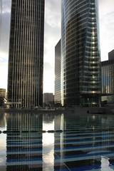 Tours EDF et Atlantique (9348) (cfalguiere) Tags: france skyscraper iledefrance ladfense edf agam yaacovagam gratteciel hautsdeseine placedeladfense touratlantique fontainemonumentale