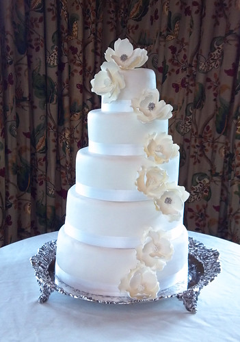 """A white sugarpaste flower cake for a Trillium Wedding • <a style=""""font-size:0.8em;"""" href=""""http://www.flickr.com/photos/50891271@N03/15728930313/"""" target=""""_blank"""">View on Flickr</a>"""