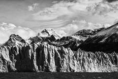 Montaas y glaciares (raserojose) Tags: santacruz argentina agua amrica nieve glaciar lagoargentino hielo roca picos montaas glaciarperitomoreno amricadelsur entorno parquenacionallosglaciares