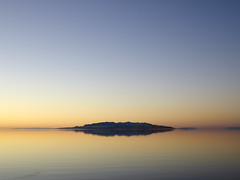 Sunset At Antelope Island (Duncan Rawlinson - Duncan.co) Tags: blue sunset beach water yellow by relax photo sand warm dusk smooth calming calm serene relaxation relaxed chill tranquil duncanco photobyduncanrawlinson dybcab duncanrawlison