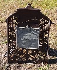 Cut iron gravestone with plaque (Monceau) Tags: cemetery plaque cut gravestone lacroix covington iorn covingtoncemetery