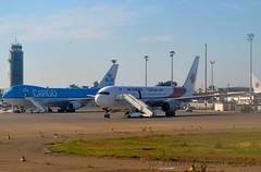 KLM B744 PH-CKC & AIR ALGERIE B763 7T-VJI @ DAAG/ALG 13-06-2014 (Nabil Molinari Photography) Tags: 2004 dutch airport air royal company boeing algerie klm dd airlines blanche maison current ff 1990 algérie 2304 alg the alger 332 1341 12204 apek houari 24768 daag 33696 92690 101290 phckc oranjeorange boumedienne cf680c2b5f cf680c2b2f 7673d6 7tvji 747406fer 4841c5 viewphckc jqac 0a0003 viewn6009f