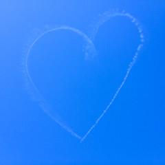 #jesuischarlie (SylvainMestre) Tags: blue 3 coeur bleu ciel skywriting jesuischarlie ouiup