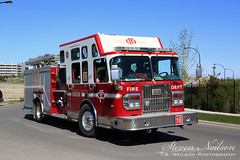 Calgary Fire Department Engine 16 (S. Neilson Photography) Tags: canada calgary classic 2004 truck fire engine superior pump alberta department apparatus spartan gladiator pumper lfd