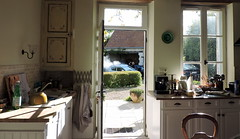 Never a dull moment/Les joies du weekend (D.G-S) Tags: kitchen carwash