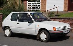G745 HEW (1) (Nivek.Old.Gold) Tags: cambridge look 1989 peugeot 205 3door 1124cc timbrintoncars