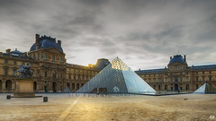 Parisian sunrise (BAN - photography) Tags: windows cloud paris statue architecture sunrise pyramid chimneys thelouvre d800e