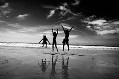 FLYCHILDREN (Chlo Chenivesse) Tags: photooftheday fly children summer ocean fun blackandwhite reflet sky cloud water happy enjoy moment