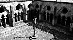 As almas perderam no silncio (chemakayser) Tags: oporto porto portugal se catedral claustro gotico gotic arcos columnas religin cruz