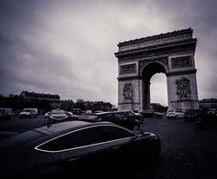 Paris.jpg (stefan@aaby) Tags: paris car trafic placecharlesdegaulle arcdetriompheducarrousel triumfbgen