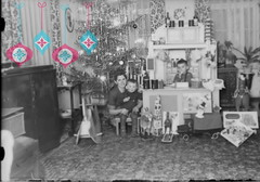 Weihnachtsgru 2014,, Merry Christmas! (dreilander) Tags: christmas winter germany weihnachten deutschland saxony christmastree schwarz schmuck chemnitz glassnegative weis dryplate weihnachsbaum fotoplatte glasnegativ negativeplate gelatinetrockenplatte