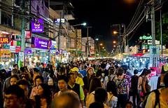 Chiang Mai Walking Street (Dan_Fr) Tags: 35mm shopping thailand nikon chiangmai f18 walkingstreet primelens gamewinner challengeyouwinner d5100