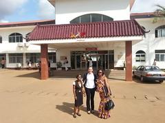 HGOPY Yaounde mit Rita Monkam (Medizinstudentin) und Sheila Minkeng (MIDEC)