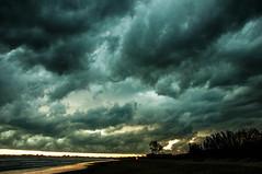 Tempestade em So Francisco do Sul - 12/01/2015 (MGeraldo) Tags: storm beach clouds raios thunder sofranciscodosul tempestade raio sochico varandasdomar janeirode2015