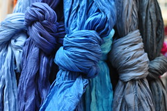 DSC_3027 (mesdixths) Tags: blue azul blauw blu bleu cloth blau niebieski  mavi bl tissu bez   tuch pao  doek   kk  panno   modr  vi