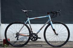 Omura's AxiomSL (Circles Japan) Tags: thomson ti axiom chrisking sevencycles titaniumbike enve titaniumframe simworks chriskingbuzz axiomsl irideenve