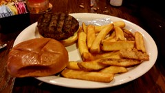 Colton's in Springfield, Missouri (Adventurer Dustin Holmes) Tags: food frenchfries fries hamburger 2016 steakfries plainhamburger coltonsspringfieldmo coltonsspringfieldmissouri