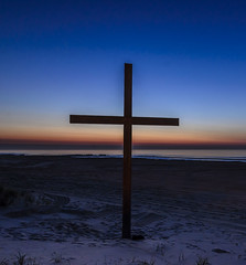 5347 Pre Dawn Cross at Ocean Grove (savedrev) Tags: ocean sunrise newjersey sand cross dunes nj oceangrove nikond7000