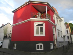Red House on the Corner (cohodas208c) Tags: redhouse corner viertel