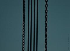(Lucila Viacava) Tags: cadenas fotografia minimalismo celeste