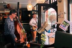 Sven Schuster & Klaas Fopma 7462-9_0569 (Co Broerse) Tags: music composedmusic contemporarymusic jazz vocals amsterdam 206 cobroerse sundayduets svenschuster doublebass klaasfopma guitar cafsarphaat