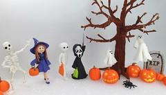 Halloween Characters (Edible Delights) Tags: halloween tree fall autumn witch mummy ghost ghostface pumpkin jackolantern grave tombstone gravestone cute fondant cake gumpaste spider trickortreat skeleton