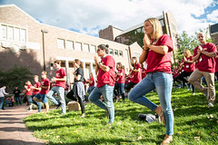 events_20160923_ethics_boot_camp-242 (Daniels at University of Denver) Tags: 2016 bootcamp candidphotos daniels danielscollegeofbusiness dcb ethics ethicsbootcamp eventphotos eventsphotography fall2016 lawn oncampus outside students undergraduatestudents westlawn