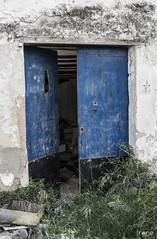 Puerta (irene_apfmhead) Tags: door puerta vieja abandono olddoor
