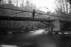 En el puente (Ivan Witchfinder) Tags: longexposure blackandwhite blancoynegro canon led nd110 longexposuredaylight canon1100d rebelt3