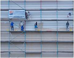 Dick aufgetragen (kurtwolf303) Tags: fassade arbeiter gerüst verputz front scaffold workmen olympus em5 omd microfourthirds plaster plastering männer men menatwork facade 1250 250v10f 500v20f micro43 minimum500v minimum700v 750views 5000views unlimitedphotos urbanlifeinmetropolis topf25 6000views 7000views mft kurtwolf303 hamburg germany deutschland