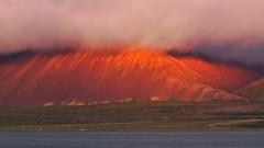 Sunset at Hafnarfjall (heikole-art.net) Tags: sunset red cloud sun mountain rot water berg island evening abend iceland warm wasser sonnenuntergang wolke sonne 2014 borgarnes hafnarfjall