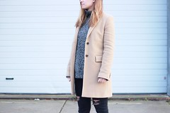 essentials-look-basic-simplicity (www.shoutouttoyou.com) Tags: inspiration black monochrome look neck skinny grey sweater outfit long boots coat jeans camel simplicity roll ankle distressed destroyed basics basic longcoat essentials hilfiger tommyhilfiger vagabond rollneck skinnyjeans ankleboots rollnecksweater