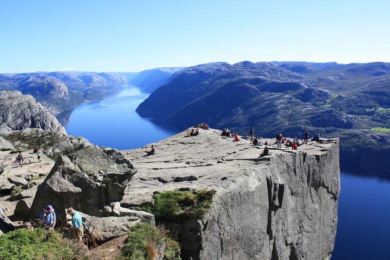 Vách đá Pulpit hùng vĩ của Na Uy
