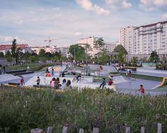 Lyon (Victor Pérez :: victorperezp.com) Tags: park france mediumformat lyon urbanexploration rhone mamiya7 kodakportra400 parq