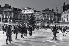 Skating at Somerset House (tatzlum.photo) Tags: london ice night skating somersethouse skate rink embankment