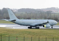 ZZ334 Airbus A330-243MRTT (Gerry Hill) Tags: edinburgh airport gerry hill scotland turnhouse ingliston d90 d80 d70 boathouse bridge nikon aircraft aeroplane airline egph airplane transport vip military cargo troop carrier zz334 airbus a330 243 mrtt kc3 voyager royal air force a330243mrtt international sony f707 jet propellor runway edi airways d7200