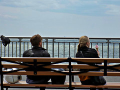 Ice cream gaze (Robert S. Photography) Tags: nyc sea sky color water brooklyn bench spring nikon couple may icecream biking gazing 2016 iso80 caesarsbay bathbeach l340