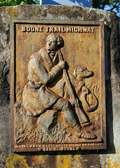 Boone Trail Highway (Laurence's Pictures) Tags: college downtown daniel tavern boone boon berea jentucky