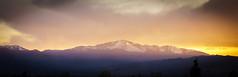 "The ""Peek"" (SahilH) Tags: sunset sky sun sony peak pikes sunray sonyalphadslr variosonnart282470 slta99"