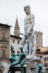 Fontana del Nettuno (andrea.prave) Tags: toscana tuscany toscane toskana     florencia florence     florenz italia italy      italie italien statue      esttua  estatua heykel scultura  sculpture skulptur escultura    piazzadellasignoria nettuno neptune fontana fountan