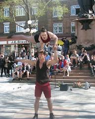 File0231 (mariej55quebec) Tags: red rouge artist artistes vieuxqubec spectacle jongleur acrobates artistesderue amuseurs
