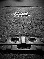 St.Pauli - Kastanienallee (chicitoloco) Tags: face gesicht hamburg deckel gully kastanienallee kabelschacht abdeckung abwaaser