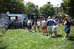 All-Alumni Music and Food Truck Festival (mikegindhart) Tags: usa philadelphia lunch outdoors taylor alumni haverford rm 2016 alumniweekend foundersgreen freelancephotography rightsmanaged foodtrucks