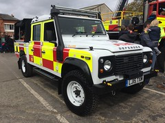 Surrey Fire & Rescue Land Rover Defender (slinkierbus268) Tags: rescue fire 4x4 rover surrey land defender brooklands bluelights fireandrescue fireappliance