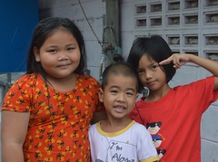 brother and sister and friend (the foreign photographer - ) Tags: sep112016nikon brother sister friend children khlong bang bua portraits bangkhen bangkok thailand nikon d3200